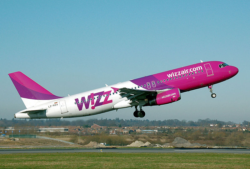 A Wizz Air Airbus A320